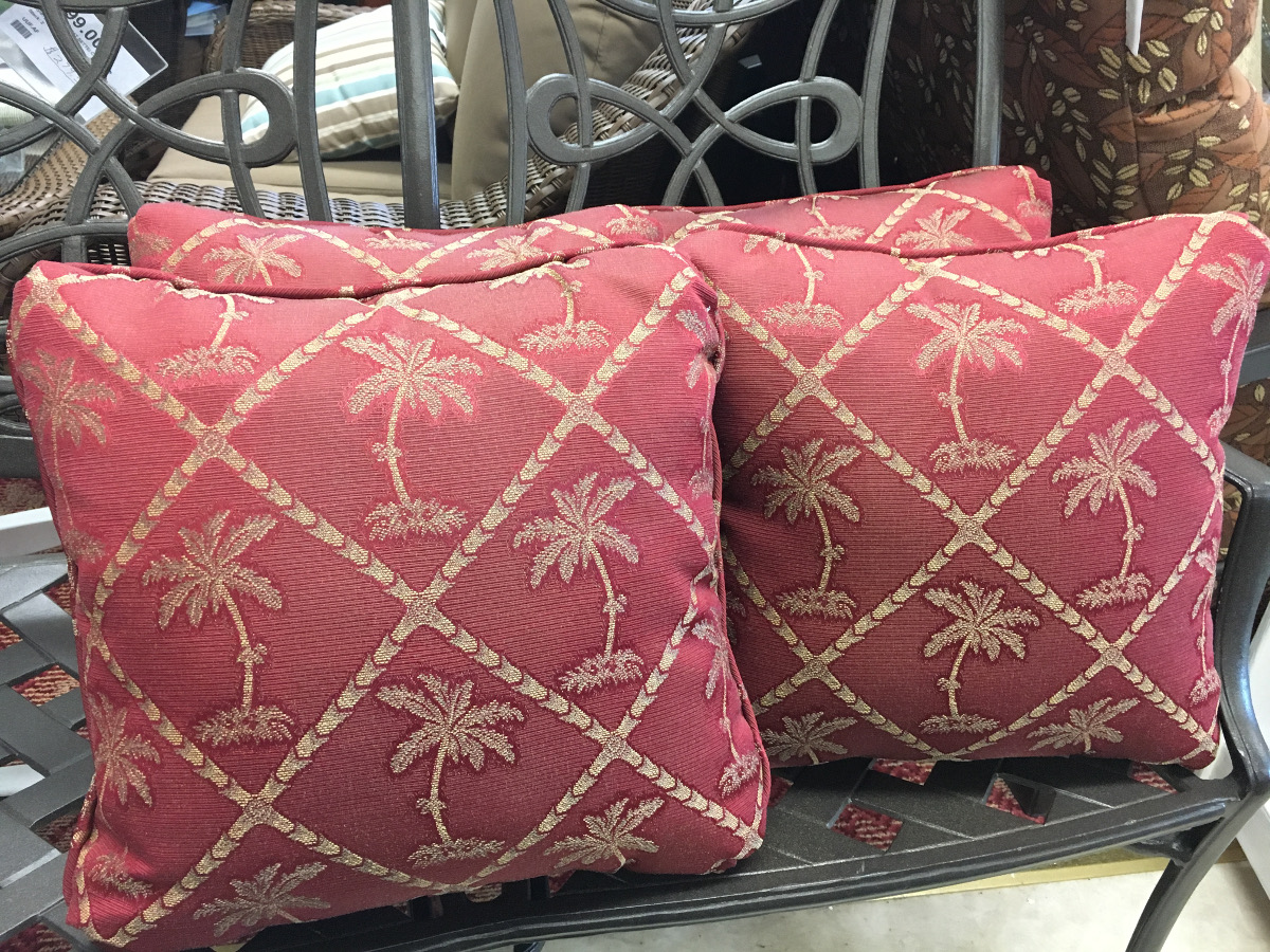 Palm Tree Pattern Throw Pillow