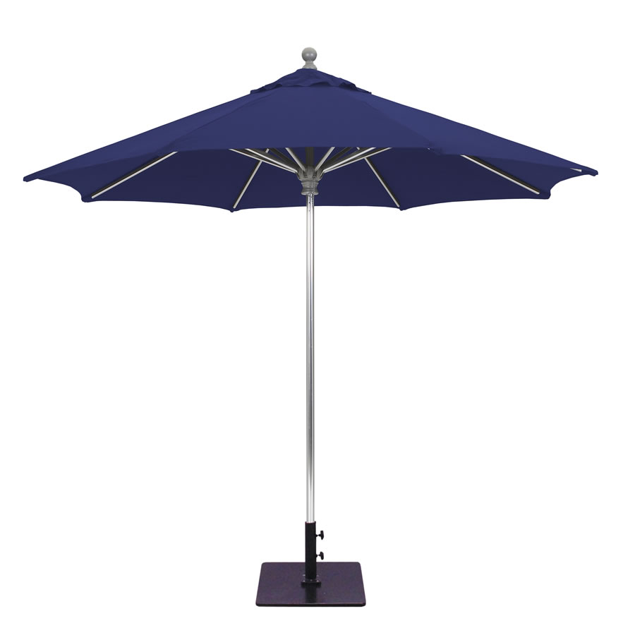 Deluxe Commercial Use Umbrella – 9'