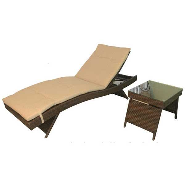 Wicker Chaise Lounge - Optional Wet Bar